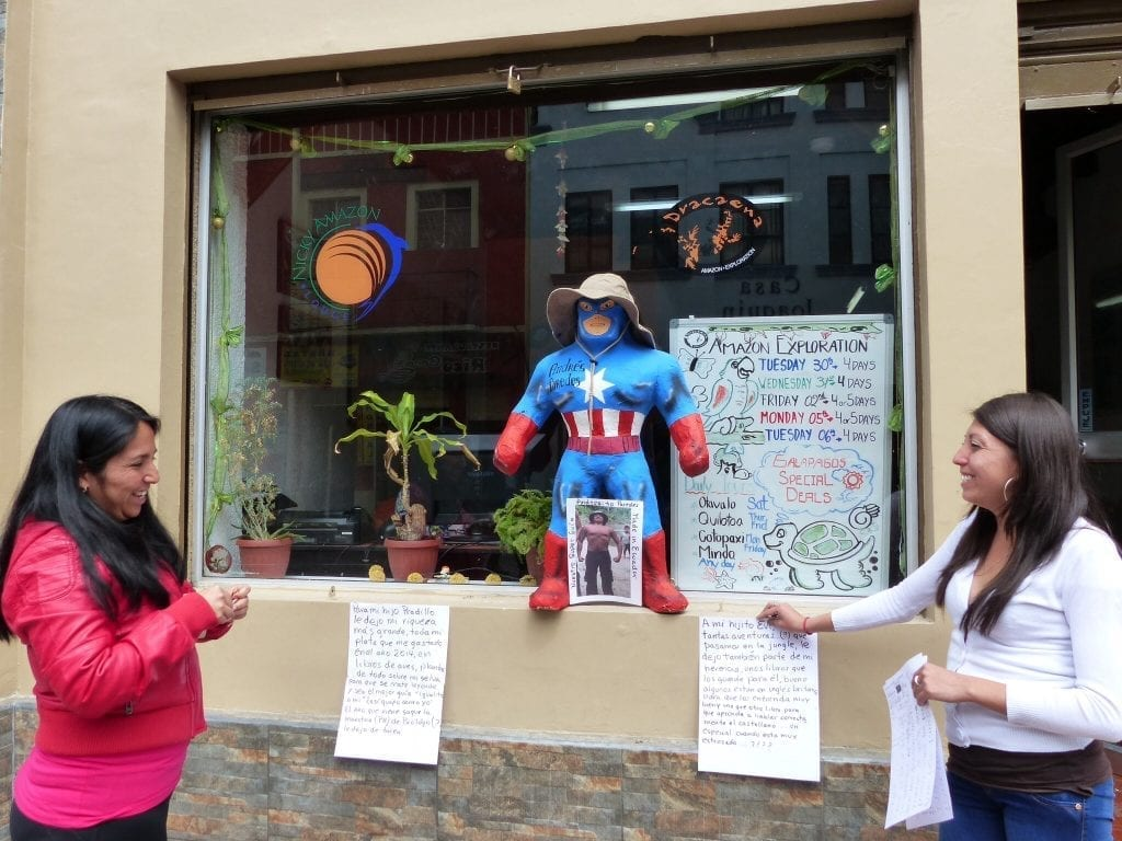 Ecuadors Hauptstadt Quito feiert Sylvester mit Puppen