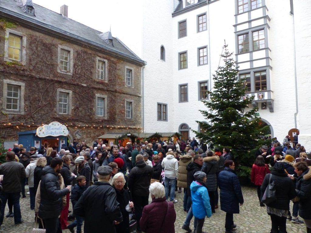 weihnachtsmarkt-schloss-wolfsburg für Familien
