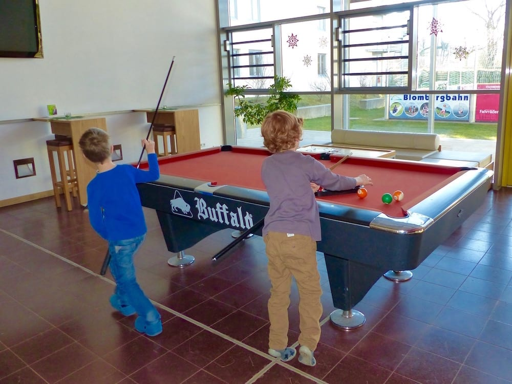 Jugendherberge-BadTölz-Billiard-Jungs