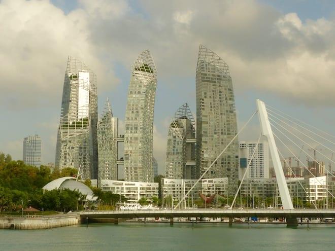 Skyline-Singapur vom Kreuzfahrtschiff