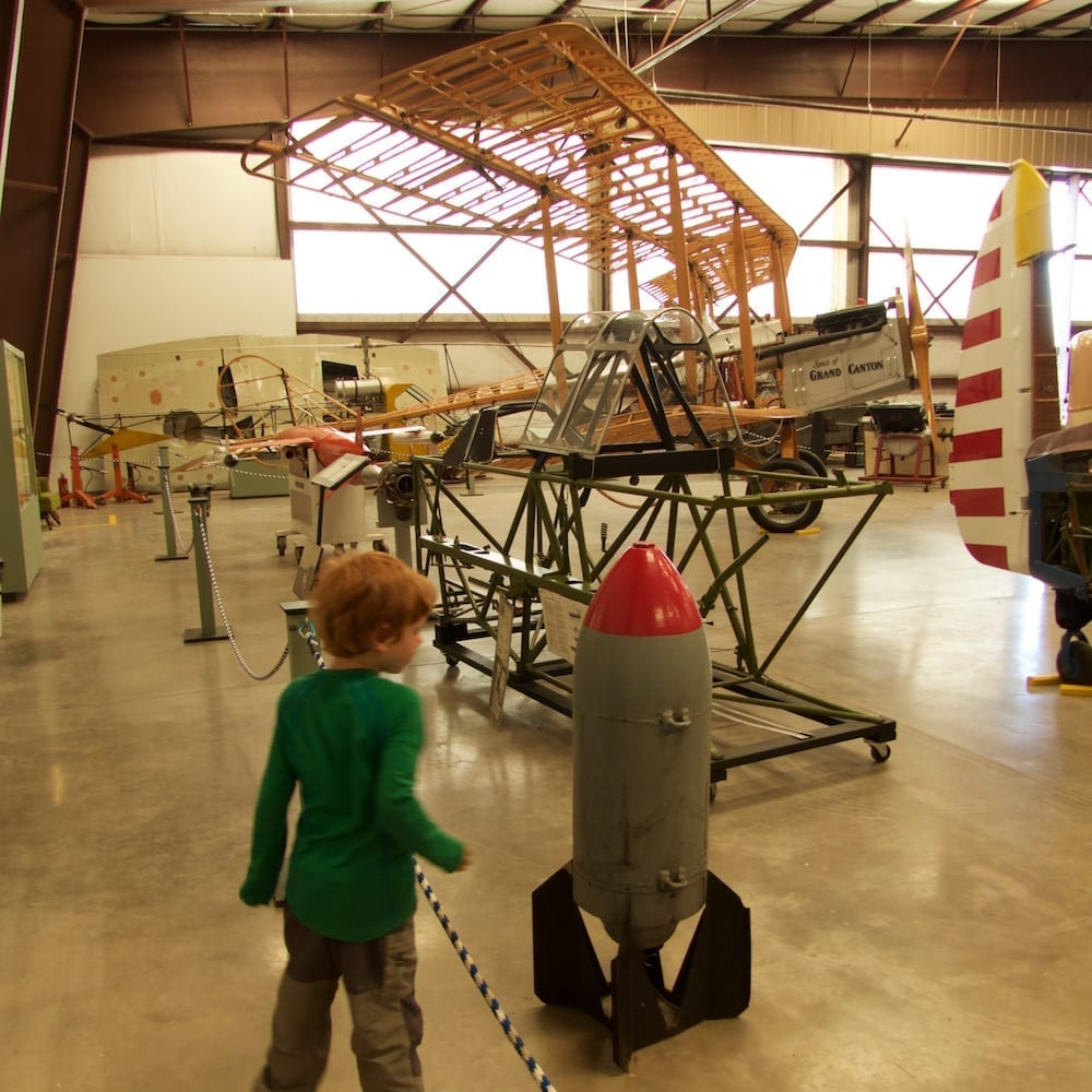 mit-kind-am-grand-canyon-planes-of-fame