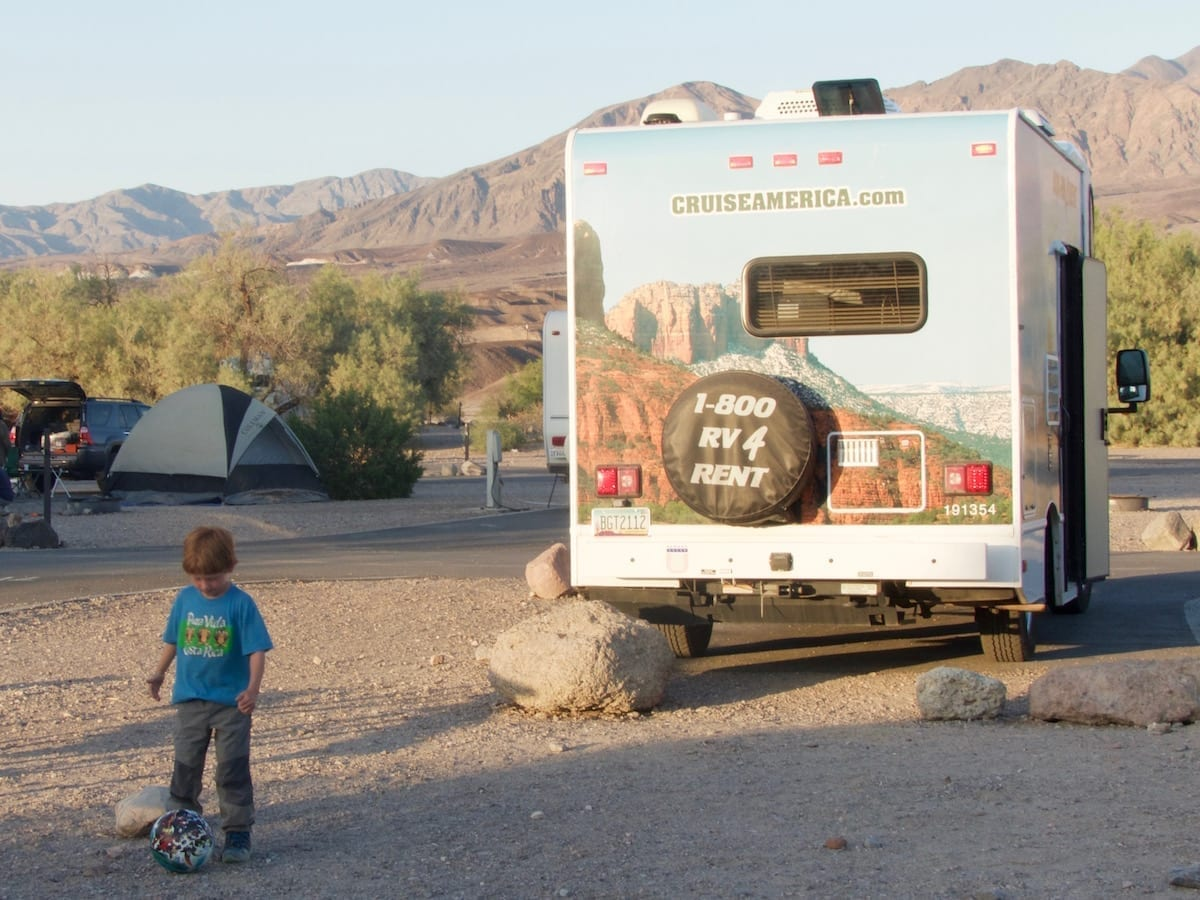 Death Valley mit Kind - Wohnmobilstellplatz Furnace Creek