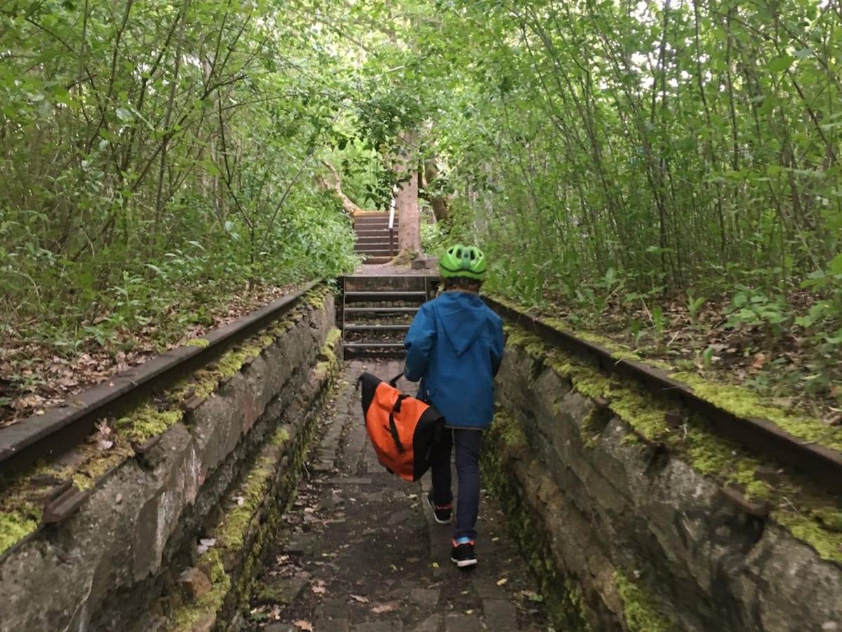 Natur-Park Südgelände Berlin mit Kind - Gleisanlagen Lost Places