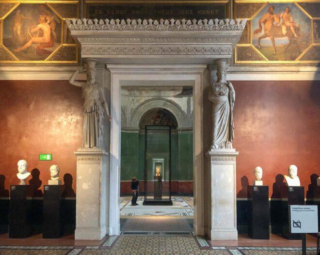 Neues Museum Berlin - Blick in den Saal der Nofretete